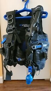 Scuba Sea Quest Pro Unlimited (Size M ) Akona travel bag and more