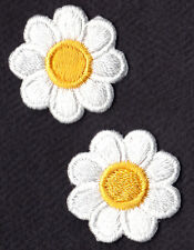 """SET OF 2 WHITE DAISIES w/YELLOW CENTER(1"""") - FLOWERS - Iron On Embroidered Patch"""