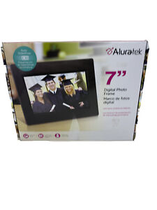 Aluratek Digital Photo Frame with Automatic Slideshow- 7 inch