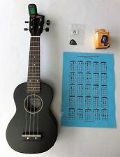 Classic Ukulele schwarz matt mit Piezo Tonabnehmer mit Stimmgerät LT-36!