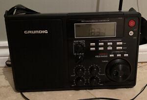 Vintage Grundig S450DLX Portable AM / FM/ Shortwave Field Radio LCD Backlight
