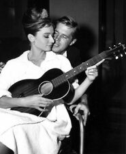 George Peppard and Audrey Hepburn photograph - L7752 - Breakfast at Tiffany's