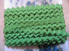 "5yd~1/4"" Vintage Green Apple  Cotton Ric Rac Trim~doll~old stock~rick rack"