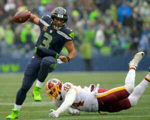 RUSSELL WILSON 8X10 PHOTO SEATTLE SEAHAWKS FOOTBALL PICTURE NFL VS REDSKINS