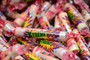 SMARTIES EXTREME SOUR VENDING CANDY PARTY FAVOR GOODY BAG YOU CHOOSE BULK AMOUNT