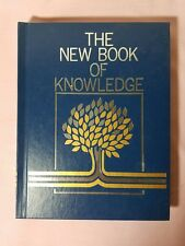 The New Book of Knowledge Annual 1990 (Hardcover)
