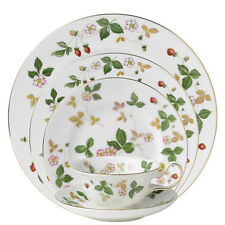 Wedgwood Wild Strawberry 20Pc China Set, Service for 4