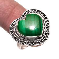Anillos de joyería con gemas verdes malaquita