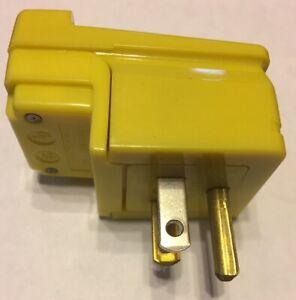Woodhead 14R47 Right Angle Safeway Plug 15A 125V