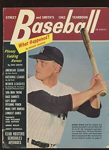1962 Street & Smith Baseball Yearbook With Roger Maris New York Yankees Cover