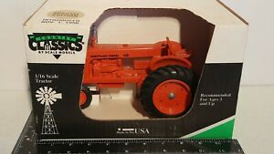 Sheppard Diesel SD-4 nf 1/16 diecast farm tractor replica by Scale Models