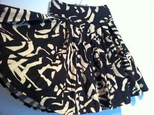 Glockenrock H&M S 34 Knielang Petticoat vintage beige schwarz Winter Herbst