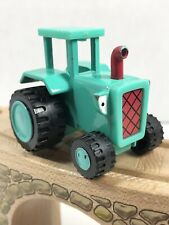 Diecast Travis Tractor from Bob the Builder - Hit Learning Curve 2006