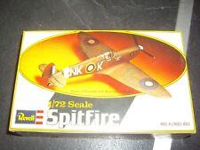 REVELL  SPITFIRE  PLASTIC MODEL 1/72