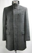 "Men's Unbranded Grey & Black Checked Coat (42"")..Sample 5923"
