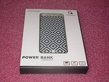 Que Design QUE-5000 Dual 2.4A USB Port 5000mAh Power Bank AC-DC input Geometric