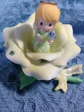 NOS AVON 2001 PRECIOUS MOMENTS MONTHLY BLOSSOMS FIGURINE AUGUST