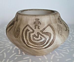 Vintage Navajo Etched Julia Blackhorse Binishtaa Vase