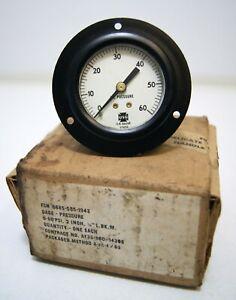 """Vintage USG Oil Pressure gauge 0-60 PSI 2"""" vehicle dash U.S. 101239 white face"""