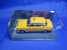 AE700 FABBRI UH JAMES BOND 007 CHECKER MARATHON TAXI N° 77 1/43 LIVE AND LET DIE