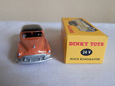 DINKY TOYS REF 24V - voiture miniature BUICK ROADMASTER