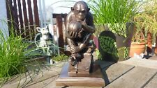 Affe mit Schädel ( Darwins Schädel ) n.R.H Wolfgang bronziert Figur Deko Wohnen