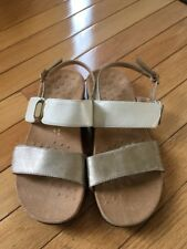VIONIC 44 NANCY BEIGE AND GOLD STRAPPY SANDALS GREAT SOLES VELCRO SZ 5/36
