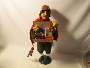 Byers Choice 2005 Cries of London Man Selling Toys