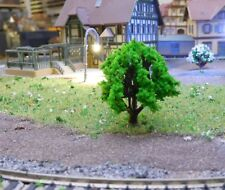 20 mittelgrüne Laubbäume, 40 mm hoch