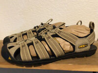 Men's KEEN Sz 12 Clearwater CNX Waterproof Brown Black Sandal Shoe Trail Hiking