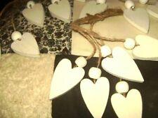 15 weiße Holzherzen 5cm mit Perle an Sisal