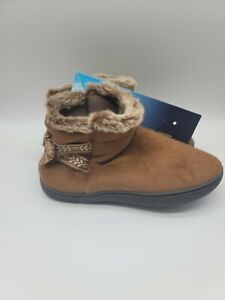 Isotoner 360 Memory Foam Nora Boot Faux Fur and Bow Women's Size Large 8.5 - 9