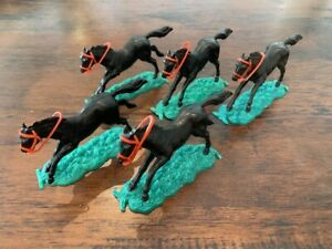 Timpo Black Horses/ Red Reins x 5 - Wild West - 1970's