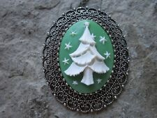 2 IN 1 CHRISTMAS TREE CAMEO SILVER BROOCH / PIN / PENDANT - HOLIDAY - GREEN