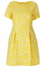 "topshop by annie greenabelle yellow floral jacquard madison tea dress <ne translation=""$reserved"" entity=""~"">$reserved</ne> <ne translation=""$num"" entity=""8"">$num</ne> <ne translation=""$prodspec"" entity=""m3020"">$prodspec</ne>"
