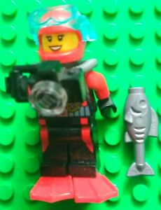 Lego Scuba Diver Female and fish. Deep sea exploration.Green base plate not incl