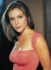 Alyssa Milano Posing With Pink Shirt 8x10 Picture Celebrity Print