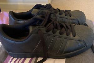 Adidas Superstars Black Size 6