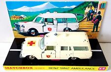 Lesney MATCHBOX Diecast KING SIZE K-6 BENZ BINZ AMBULANCE & Custom Box Display z