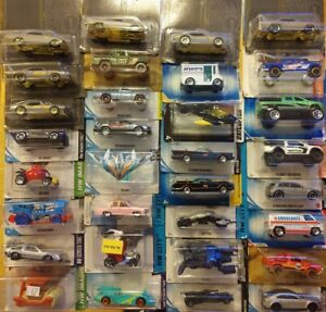 LOT OF 33 ASSORTED HOT WHEELS TV& MOVIE GMC PICKUP TRUCKS EXOTIC CARS ECT L@@K