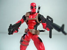 00013 DEADPOOL MARVEL UNIVERSE 4 INCH FIGURE WITH WEAPONS