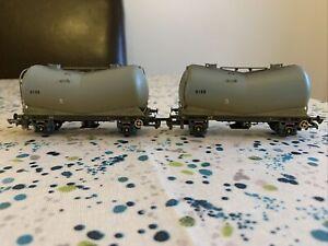 Hornby OO Gauge Rake Of 2 R6153 Weathered V Tanker Wagons in BR grey 9198 9199