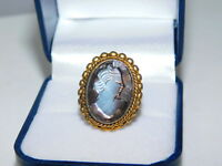 Vintage Carved Cameo Silver Grey Mother of Pearls Gold Tone Ring 3g 32