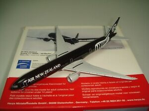 """Herpa Wings 500 Air New Zealand B777-300ER """"2010s color - All Black""""1:500 NG"""