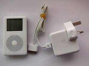 iPod Photo (iPod Classic 4th Generation) 30GB with Firewire Bundle