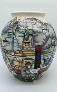 Moorcroft - Coming To America – 61/10 Large 25cm Tall Vase By Paul Hilditch 2014