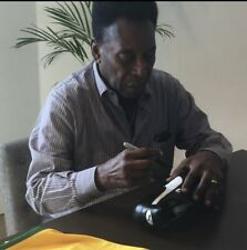 PELE SIGNED MODERN BLACK & WHITE FOOTBALL  BOOT With coa £175