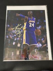 Kobe Bryant Signed Autographed 8x10 photo Gold Paint Pen Black Mamba