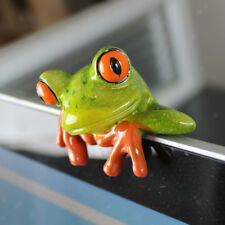 2pcs Resin 3D Crafts Frog Figurines for Office Desk Computer Screen Decor