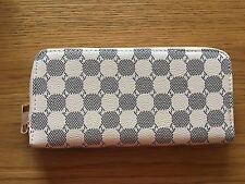 Ladies White/Cream Purse Wallet NEW